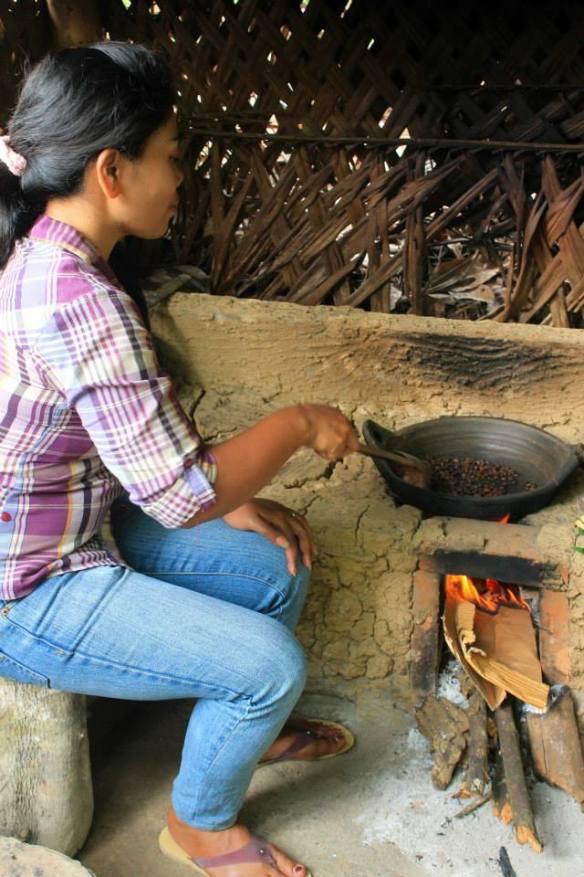 Roasting coffee, Balinese style